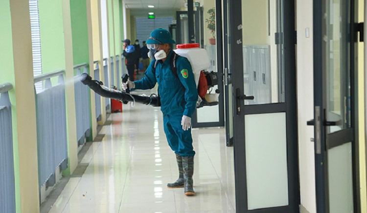 Phun diệt khuẩn khử khuẩn tại các trường học